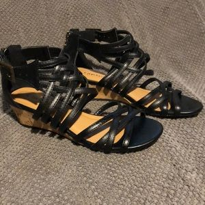NWT Cityclassified woven strap wedge sandals
